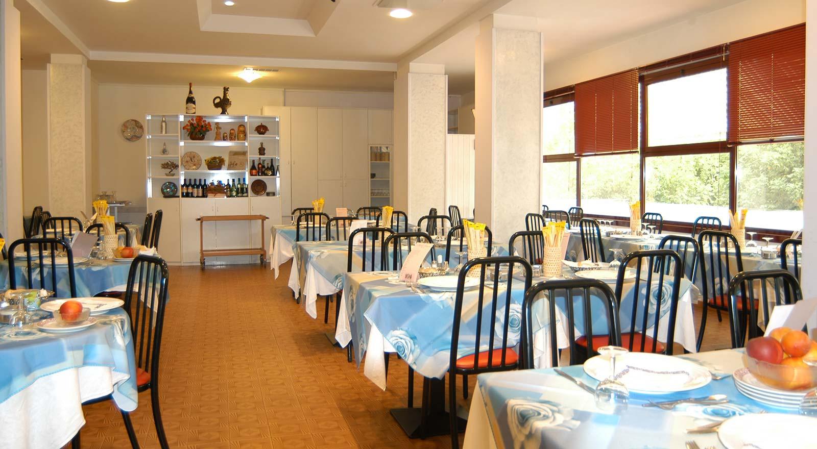Family hotel gatteo mare all inclusive con piscina hotel for Hotel amati riccione prezzi